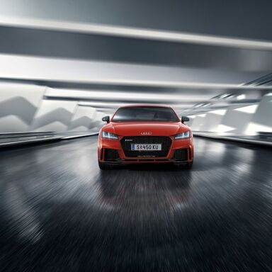 Porsche Karriere Holding - Audi TT RS rot Frontansicht in Motion